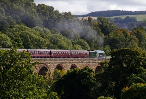 Union of South Africa locomotive crossing the Newbattle Viaduct on the Borders Railway: photo © Jim Mackie