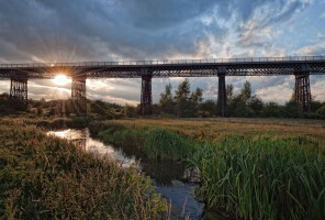 Bennerley Viaduct : photo © Steve Cole
